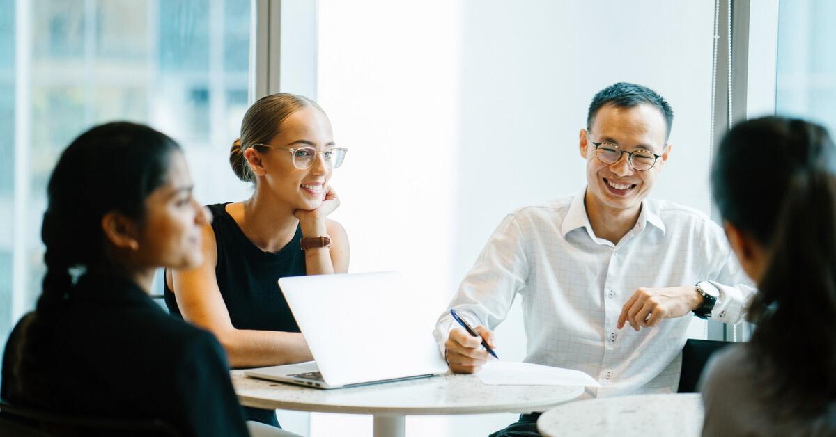 coworkers-in-meeting